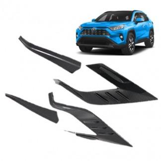 Накладка под карбон на задние фонари Тойота РАВ 4 / Toyota RAV 4 2019-2020