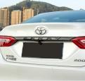 Накладка крышки багажника Тойота Камри / Toyota Camry 2018-2019 под карбон